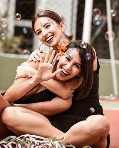 Van Duarte e Aline Flores usando makes fáceis de fazer para o carnaval